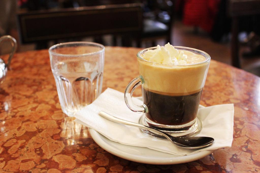 カフェ・デーメルのアインシュペナー