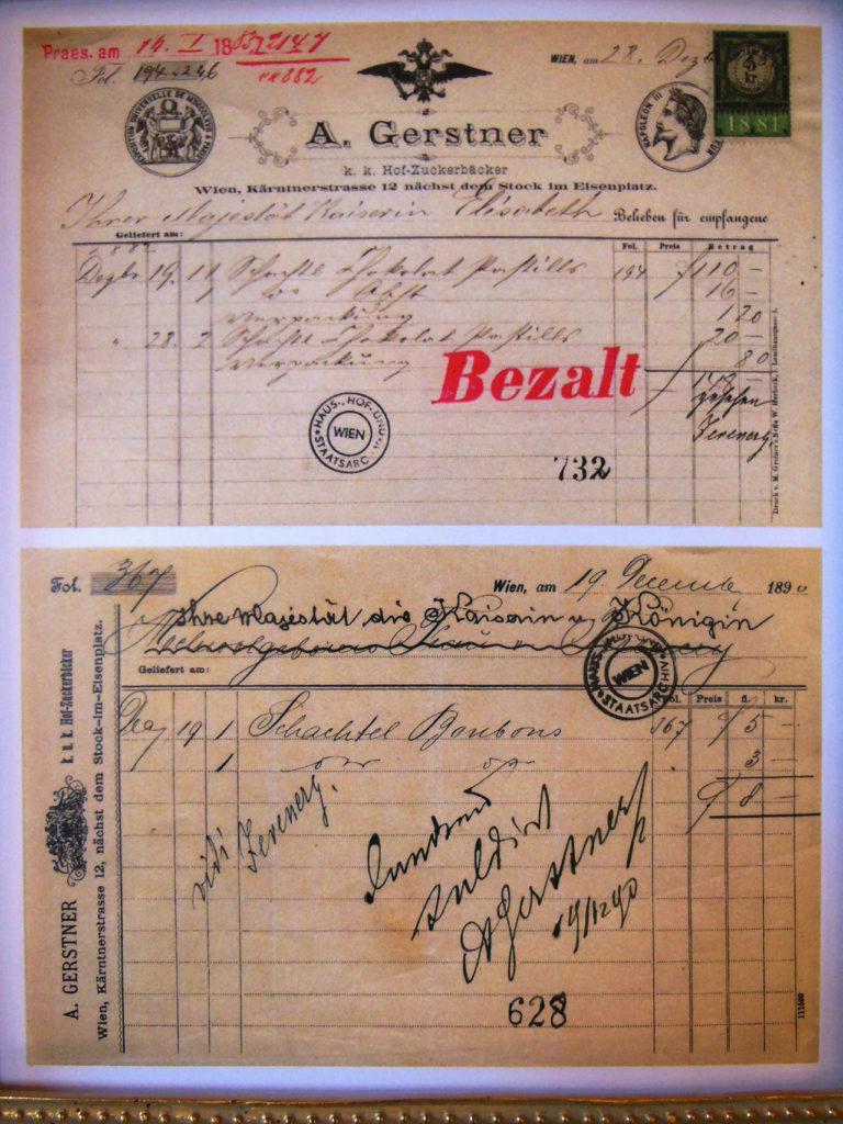 """皇帝フランツ・ヨーゼフとエリザベートは大のゲルストナーケーキのファンで頻繁にゲルストナー通っていたそうです。こちらは彼らの領収書。皇帝とエリザベートの領収書がたくさん見つかり一部を特別見せてくれました!!赤で書かれた『Bezalt』とは""""支払った""""と言う意味。"""