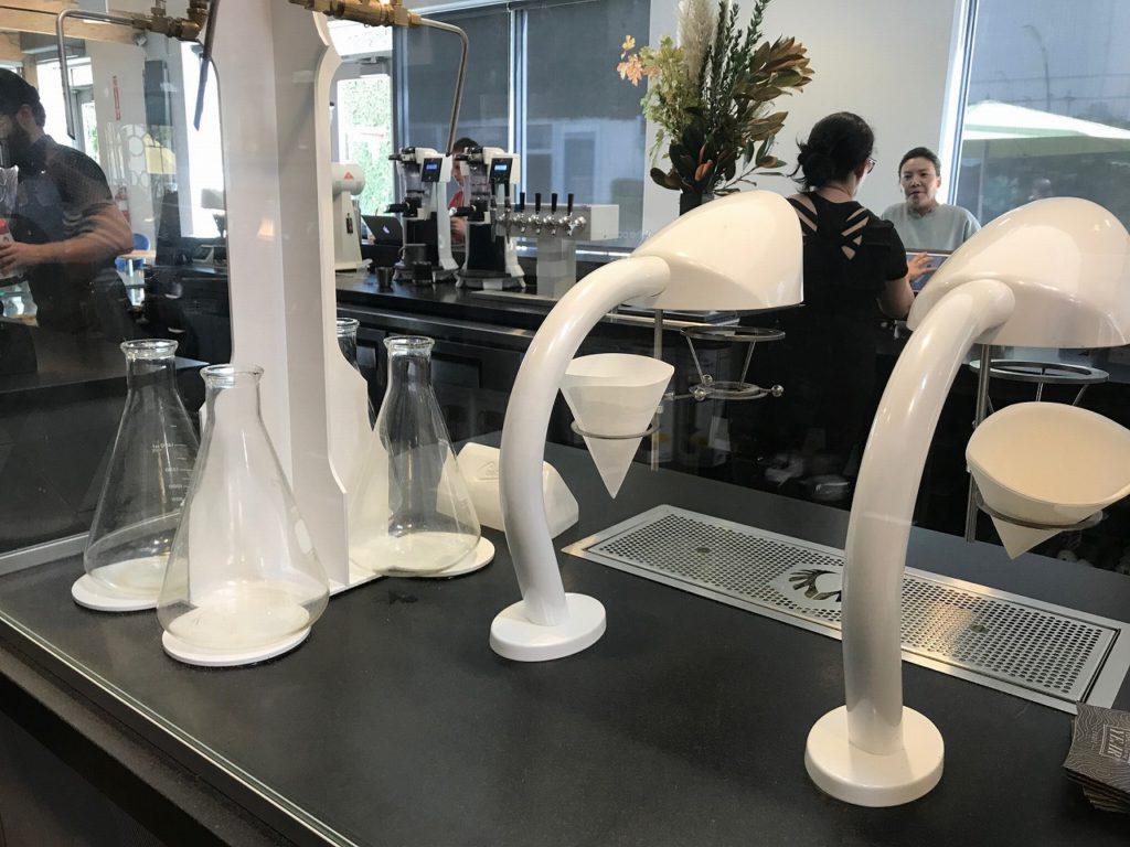 「ラボ」というだけあって、コーヒーショップなのに実験室のような一面を持っています。